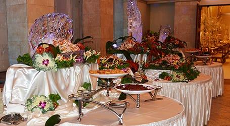 Renaissance Banquet Hal - Dining - Buffet Style